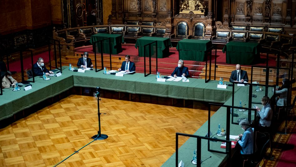 Die Anhörungen gehen weiter: Der parlamentarische Untersuchungsausschuss der Hamburgischen Bürgerschaft zur Cum-Ex-Steuergeldaffäre wird am 25. Juni den Mitinhaber der Warburg Bank, Christian Olearius, befragen