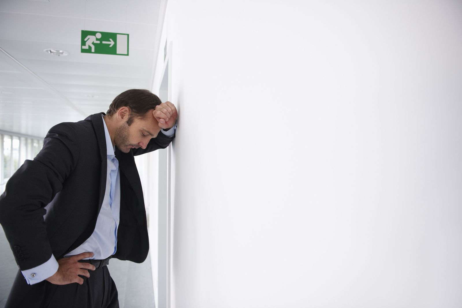 NICHT MEHR VERWENDEN! - Burnout / Geschäftsmann / müde / Stress