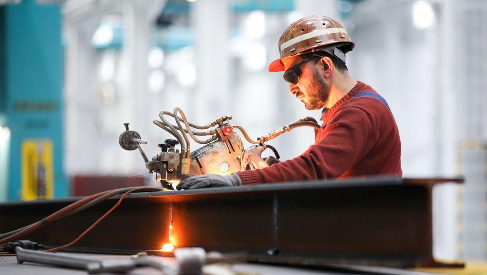 Maschinenbau: Die deutsche Wirtschaft dürfte 2019 nur noch um 1,3 Prozent wachsen, schätzt der IWF