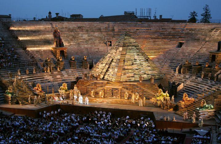 Ganz großes Operntheater: Die Arena di Verona ist eine der spektakulärsten Bühnen Europas