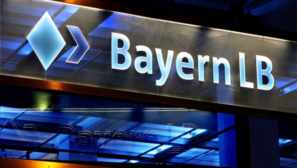 200 Millionen Euro Schadensersatz: Ehemalige Manager der BayernLB und der ehemalige bayerische Finanzminister sollen nach dem Willen der Bank diese Summe zahlen