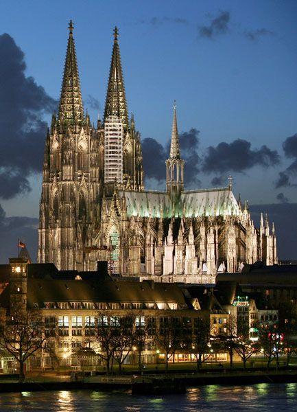 Machtwechsel: In Köln setzte sich der SPD-Politiker Jürgen Roters mit 55 Prozent klar gegen Peter Kurth von der CDU durch