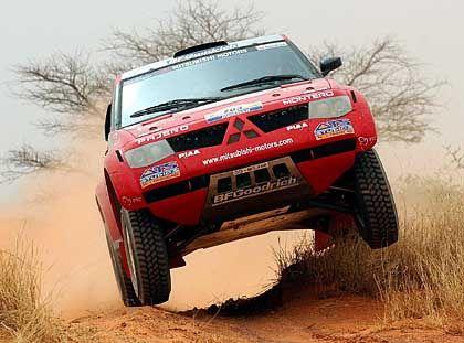 Mitsubishi hat eine rauhe Wegstrecke vor sich: Der Pajero auf der Rallye Paris-Dakar
