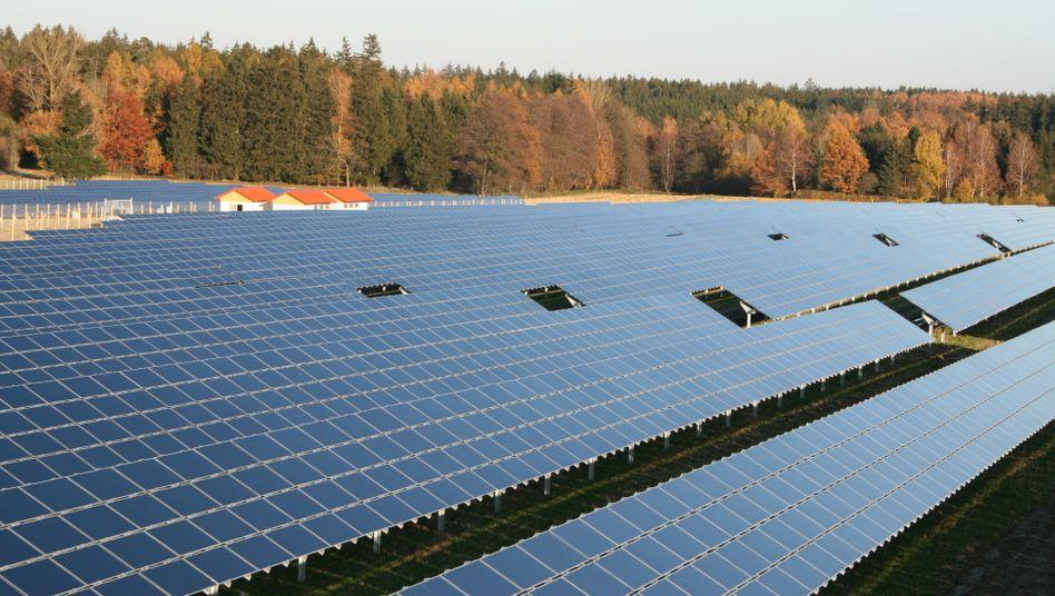 Solarpark in Bayern: Bundesweit wurden 2011 Anlagen mit 7500 Megawatt Nennwert gebaut