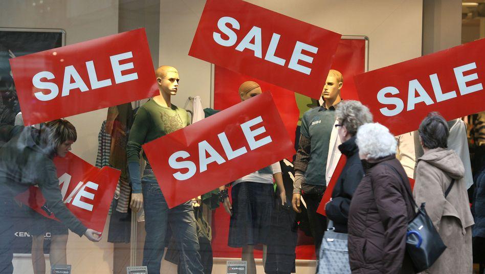 Zweiwöchige Rabattschlacht: Händler locken die Kunden mit bis zu 70 Prozent Ermäßigung