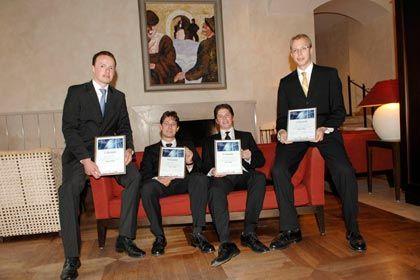 "Die Sieger des ""CEO of the Future""-Wettbewerbs 2008 (v.l.n.r.): Jan Hugenroth (2. Platz), Marcel Dick (1. Platz), Rasmus Wissmann (1. Platz), Maximilian Lackner (3. Platz)"