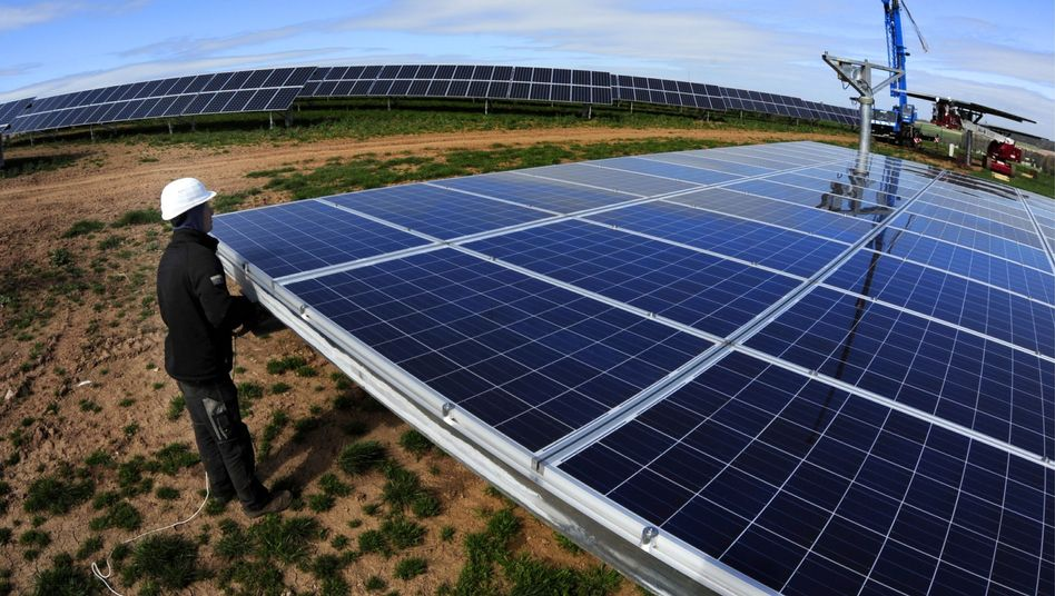 Solarpark-Installation von Solarworld in Süddeutschland: Die Photovoltaik-Branche hat in Deutschland zu kämpfen