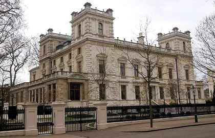 Das teuerste Haus der Welt: Mittal residiert unter anderem in diesem Palast mit zwölf Schlafzimmern im Londoner Viertel Kensington. Kaufpreis: über 100 Millionen Euro.