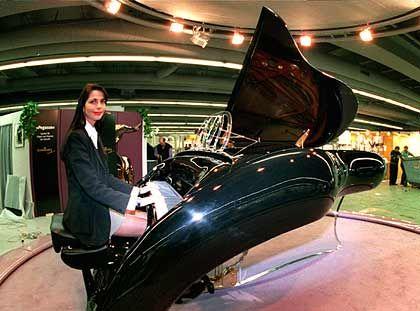 Colani-Flügel: Formschöner Klangkörper für schlappe 67.000 Euro