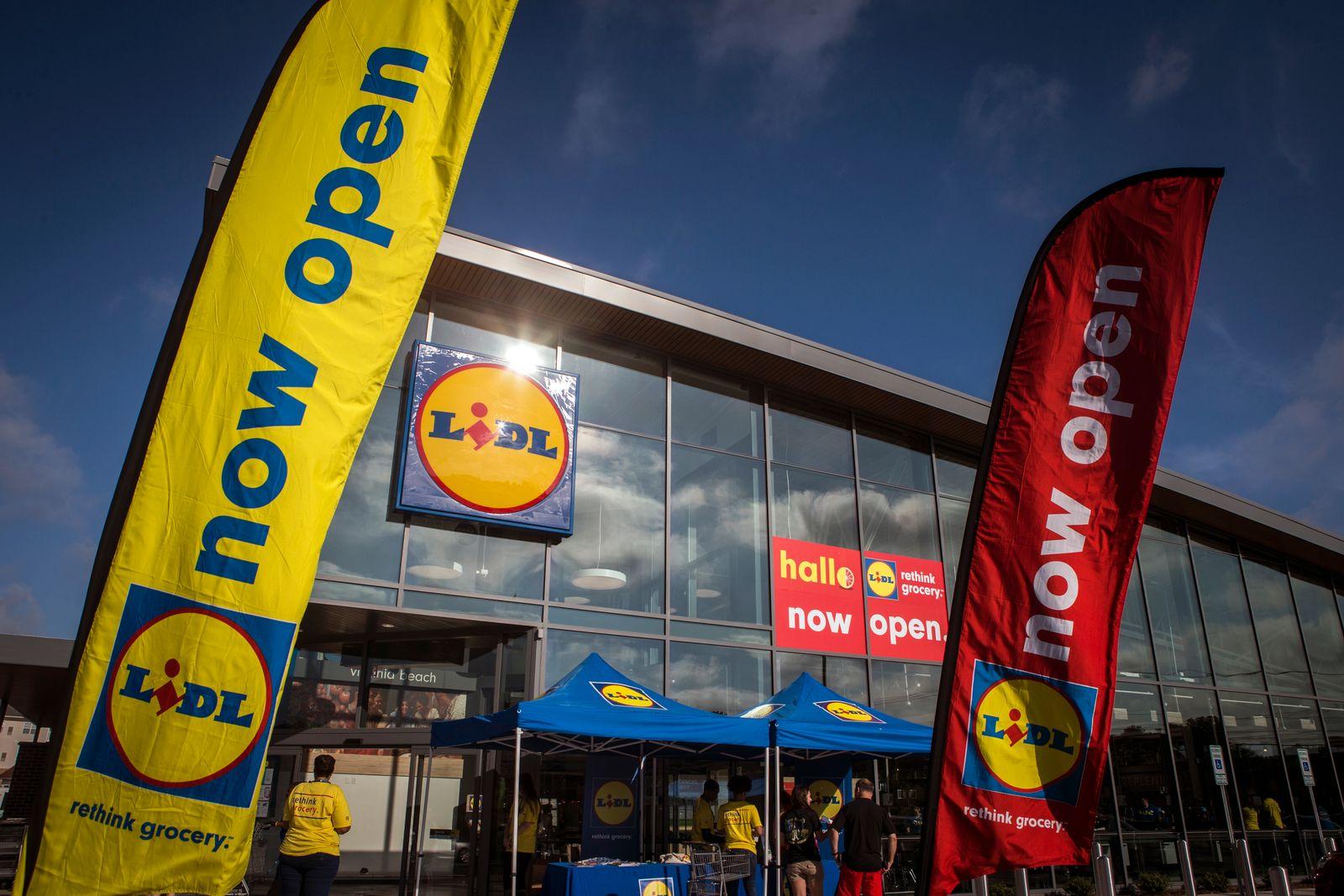 German Grocer Lidl Open Stores In U.S.