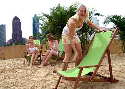 Berlin Beach Club: Am Potsdamer Platz liegen auf 5000 Quadratmetern 1400 Tonnen Sand