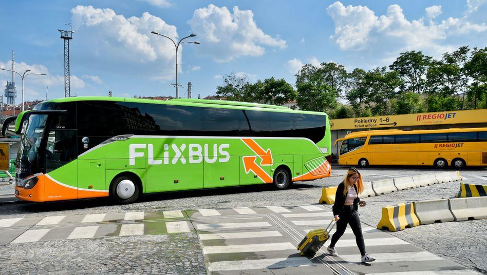Allein der Fernbusbetreiber Flixmobility soll im vergangenen Jahr 500 Millionen Euro frisches Kapital bei Investoren eingesammelt haben