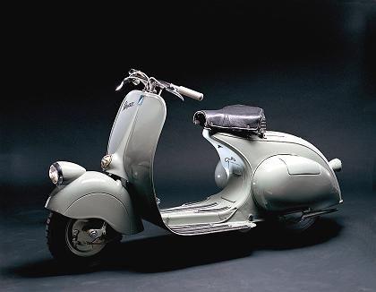 Die Ur-Vespa: Mit 3,2 PS schafften die ersten Modelle des Motorrollers im Jahr 1946 immerhin Tempo 60