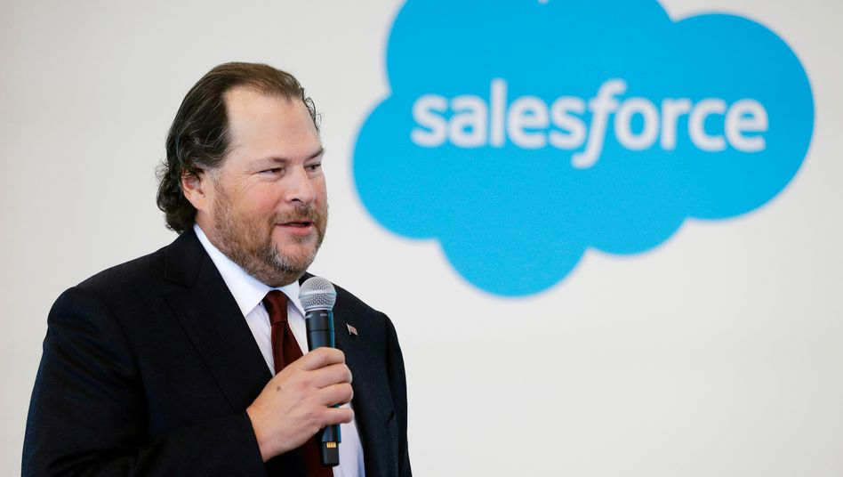 Salesforce-Chef Mark Benioff: Umsatzprognose angehoben