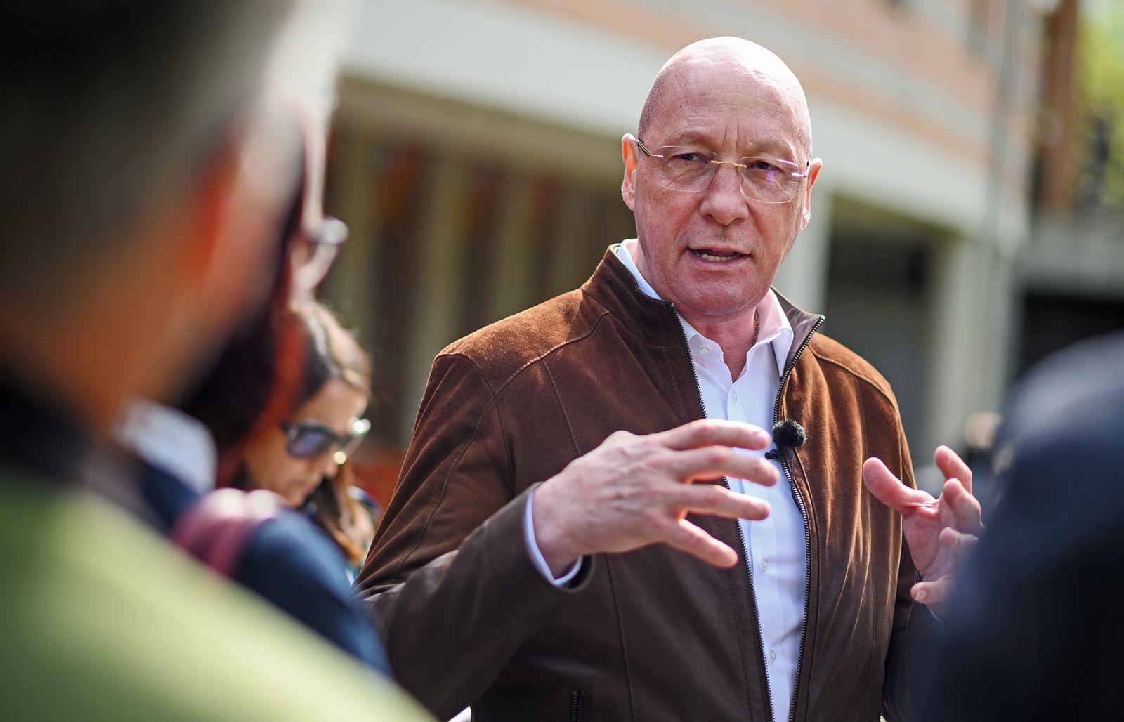 Ex-Porsche-Betriebsrat Hück im Kommunalwahlkampf