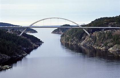 Ruhiger Handel: Der Dax gewinnt am Brückentag