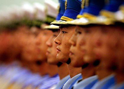 Streng in Reih und Glied: So hätte das Pekinger Regime gern auch das Web