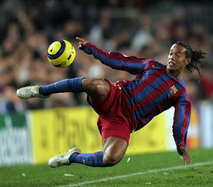 Stars geben der Wirtschaft einen Kick: Europas Fußballer des Jahres Ronaldinho