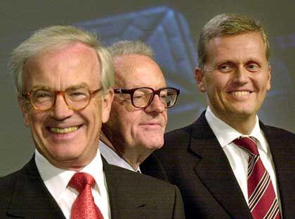 Der Neue soll´s richten: Kai-Uwe Ricke (rechts) wird von Aufsichtsratschef Winkhaus und dem scheidenden Vorsitzenden Sihler vorgestellt.