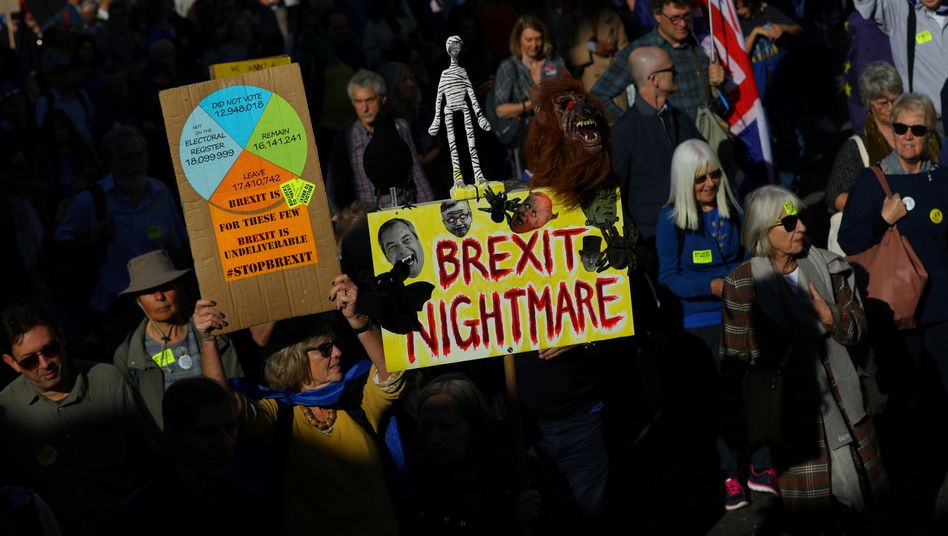 Anti-Brexit-Demonstration in London: Protest gegen Boris Johnson and his Brexshit