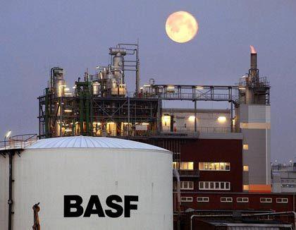 """Werksgelände von BASF: """"Tektonische Verschiebungen"""" in der Automobilindustrie"""