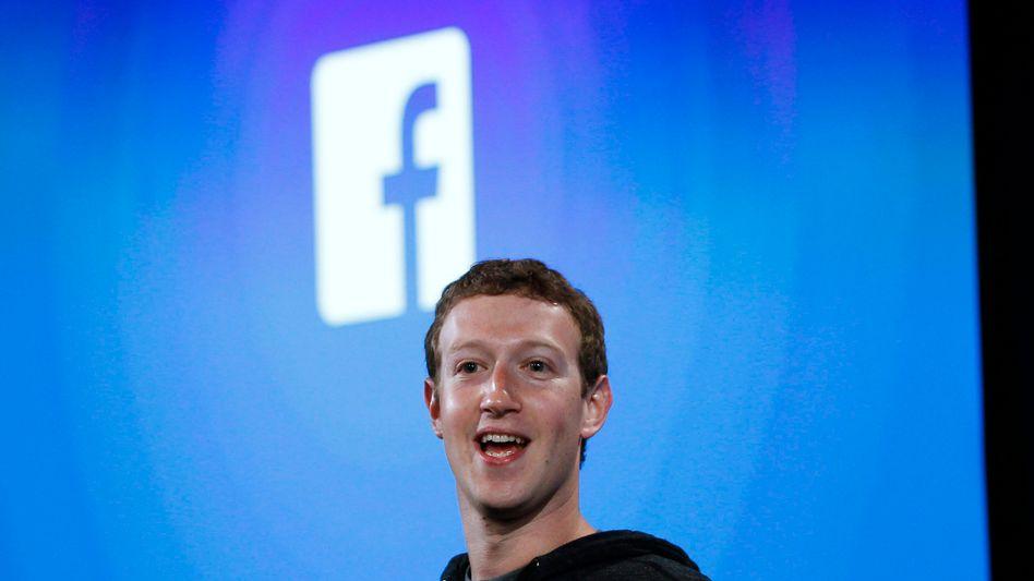 Peinlich für Mark Zuckerberg: Namen und E-Mail-Adressen von mehr als 500 Facebook-Kunden sind in einem Hacker-Forum aufgetaucht