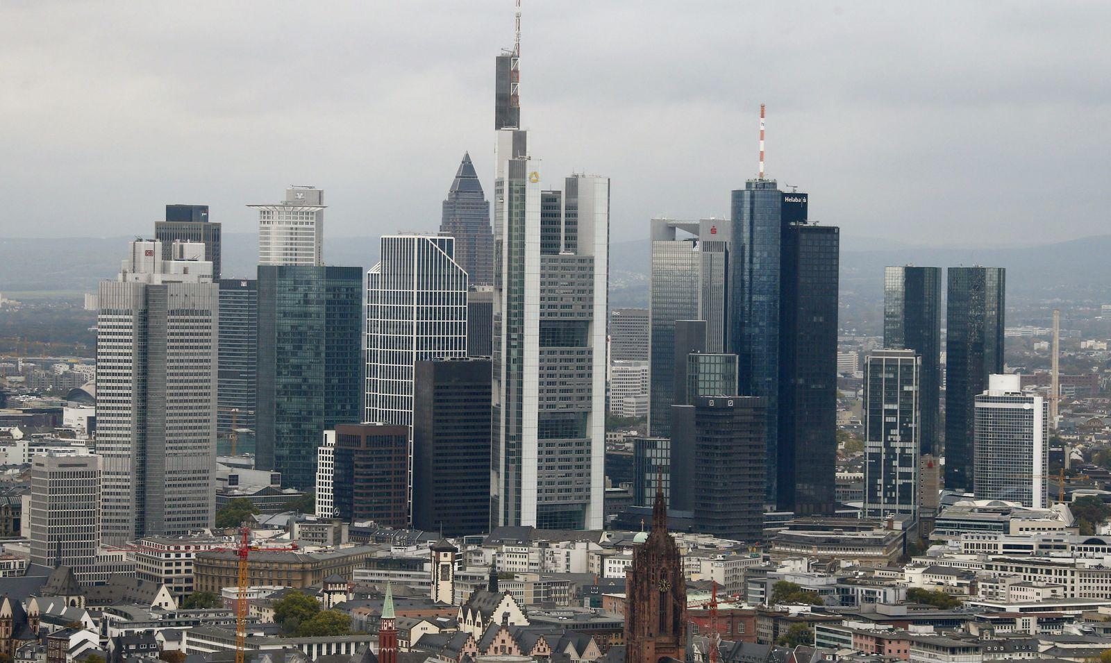 Frankfurt / Bankenviertel / Skyline