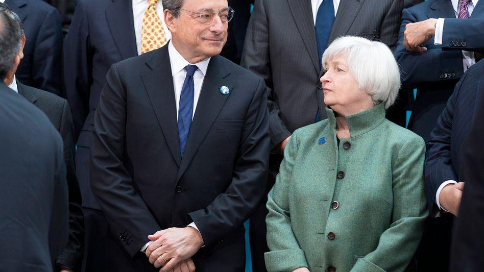 Fed-Chefin Janet Yellen, EZB-Chef Mario Draghi: Die Notenbanken treiben uns mit ihrer Politik immer tiefer in die Krise, statt sie zu lösen