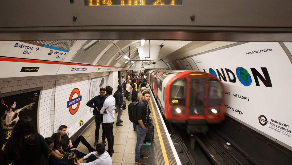 London Tube: Auf der Picadilly Line, die London mit dem Flughafen Heathrow verbindet, sollen ab 2023 Siemens-Züge rollen