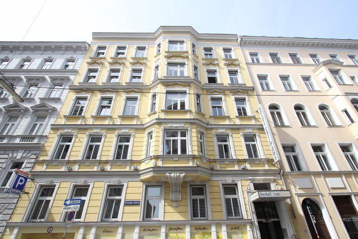 """So sieht das """"Hotel Rathaus Wein & Design"""" von außen aus - es war schon Wohnhaus, Schneideratelier und Hospital."""