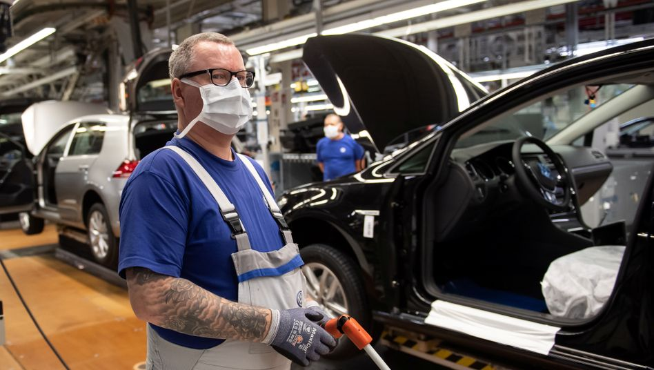 Fehlende Teile: Die Produktion von Volkswagen in Wolfsburg stockt