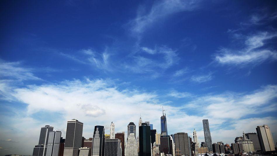 Skyline von New York City: Makler wie JLL oder CBRE vermitteln weltweit Gewerbeimmobilien