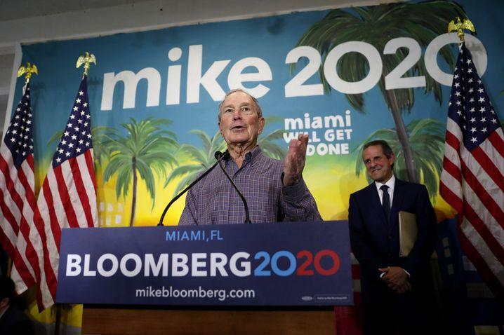 """""""Ich trat an, Donald Trump zu schlagen. Jetzt gehe ich aus dem gleichen Grund."""" Michael Bloomberg."""