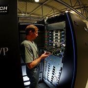 """Startklar: Im Forschungszentrum Jülich nahm am Dienstag der Superrechner """"Jugene"""" den Betrieb auf"""