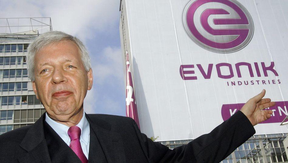 Hofft auf höhere Dividende von Evonik: RAG-Vorstandschef Werner Müller fürchtet einen realen Werteverzehr des Stiftungsvermögens durch die niedrigen Zinsen - obwohl die Stiftung ab 2019 rund 19 Milliarden Euro aufbringen muss