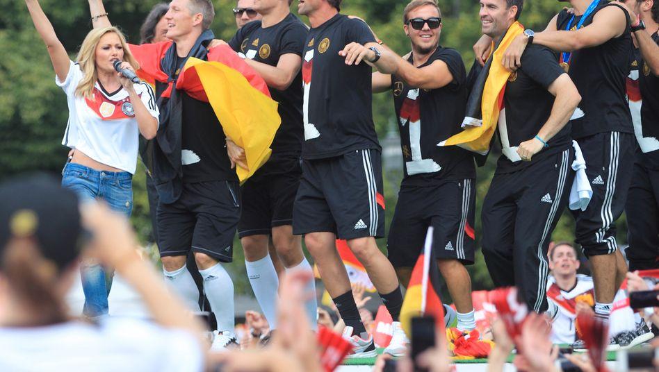 Weltmeisterfeier im Juli 2014 in Berlin: Deutschland ist voller Zuversicht - doch die Hochkonjunktur wirkt nicht eben solide