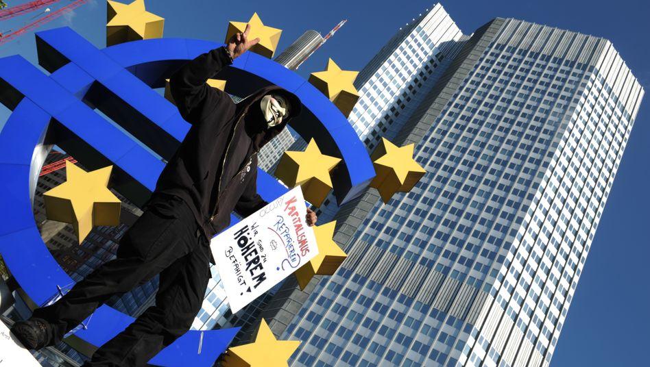 Demonstrant vor der Europäischen Zentralbank: Ärger über die ungerechte Verteilung des Vermögens