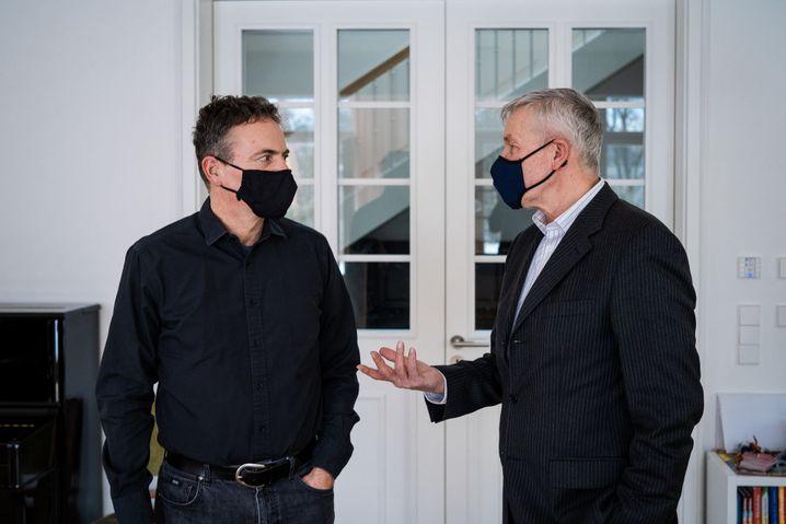 """""""Bei Curevac liegt ein gewisser Spirit in der Luft"""": Ingmar Hoerr (links) empfing unseren Kollegen Michael Kröher zum Gespräch"""