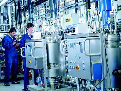 Greentech: Die Pilotanlage der Süd-Chemie erzeugt aus Stroh Bioethanol