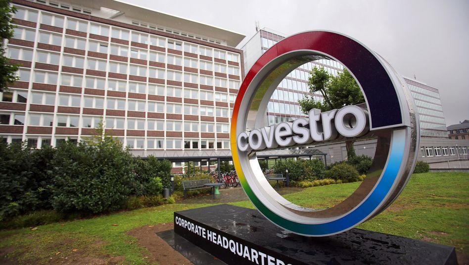 Der Kunststoffkonzern Covestro in Leverkusen weist einen drastische gesunkenen Gewinn und zweistellig gefallene Umsätze für das dritte Quartal aus