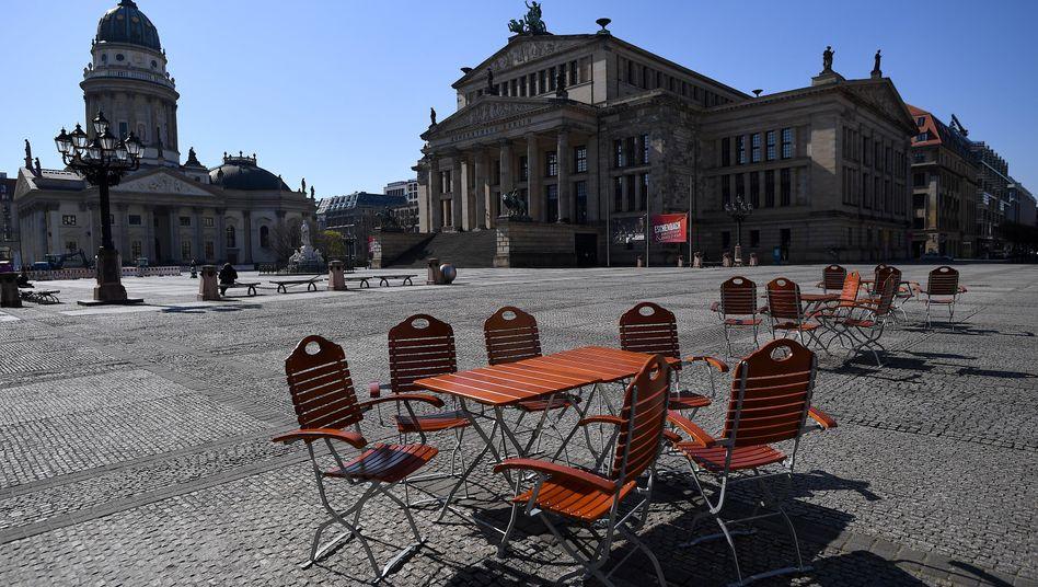 Berlin: Der menschenleere Gendarmenmarkt
