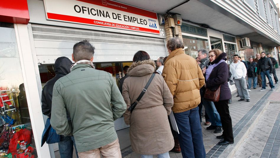 Zu viele Menschen ohne Job: Mehr und mehr Spanier sparen, auch bei den Telefonkosten