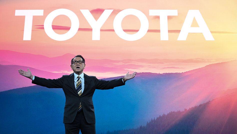 Wichtiger Prestigeerfolg: Toyota-CEO Akio Toyoda überholt VW-Chef Herbert Diess