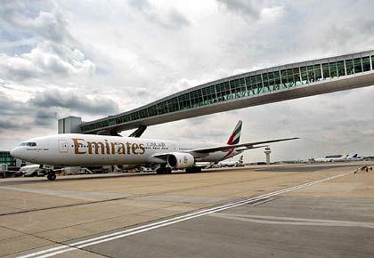 """Air Emirates Maschine (am Gatwick Airport): """"Noch Ziele hinzunehmen"""""""