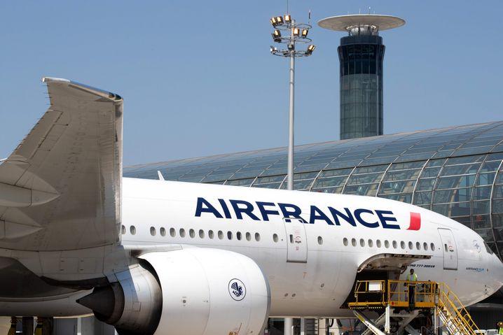 Frankreich will wegen der Corona-Krise einen Schutzschirm für die Auto- und die Luftfahrtbranche aufspannen.