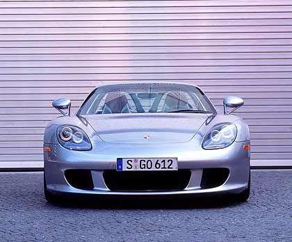Porsche Carrera GT Grundpreis: 452.690 Euro Leistung: 350 kW/612 PS Spitze: 330 km/h Beschleunigung: 3,9 Sek. von 0 auf 100 km/h Zylinder: 10