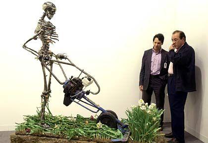 """""""Das Vertrauen in den Kunstmarkt ist ungebrochen"""": Skulptur der italienischen Künstler Bertozzi & Casoni mit dem Titel """"Skeletal Madonna"""""""