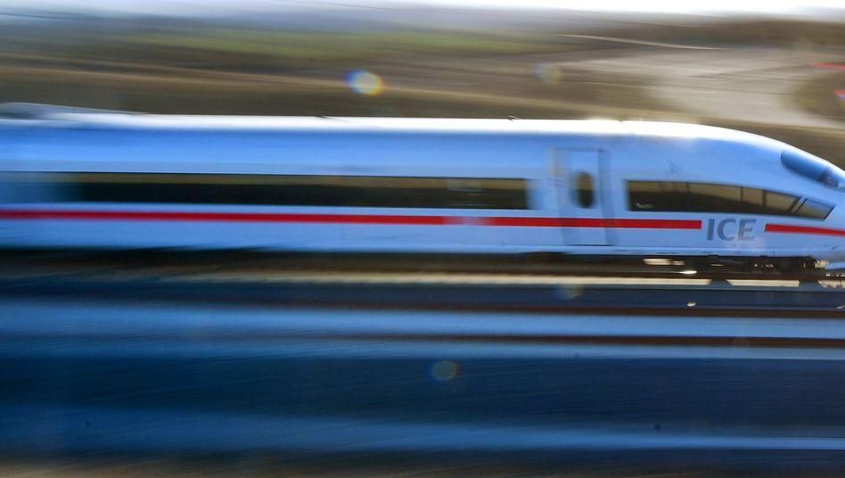 Mehr Menschen fahren mit der Deutschen Bahn: Die kann daraus allerdings nicht mehr Gewinn generieren