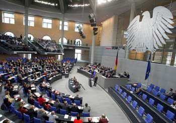 Abstimmung im Bundestag: Unsichere eigene Mehrheit bei der Rentenreform