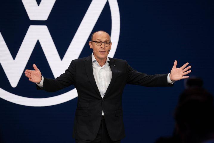 Tick-Tack-Tech: VW-Markenchef Ralf Brandstätter ist nur einer der Tech-Prediger.